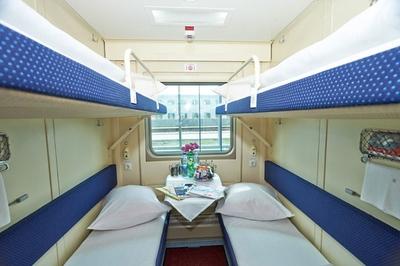 Разрешился конфликт пассажиров между верхних и нижних полок в поездах РЖД